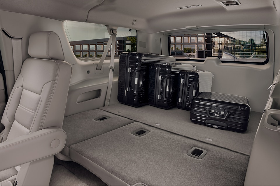 Rearview Mirror And Overhead Storage Of The 2018 Yukon Denali XL Full Size  Extended Luxury SUV