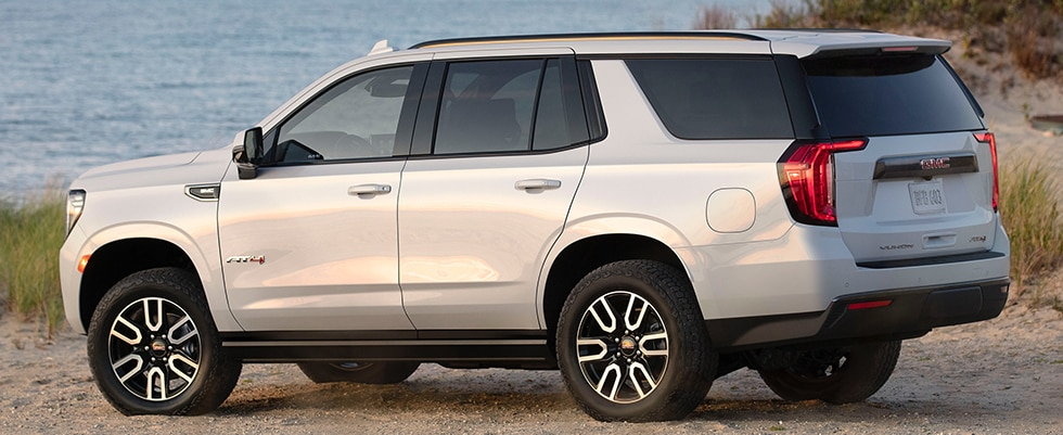Bold, refined exterior design of Yukon full size SUV